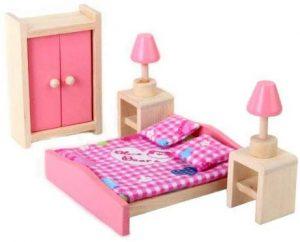 Muebles de madera para casa de muñecas