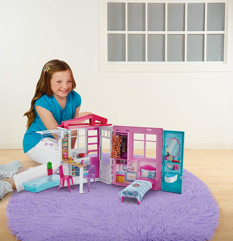 Casa de muñecas Barbie con accesorios